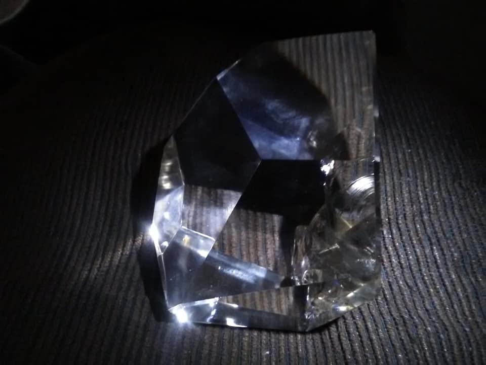 28-9-2018-Kristal-dat-in-de-regio-wordt-gevonden-in-de-bergen-10