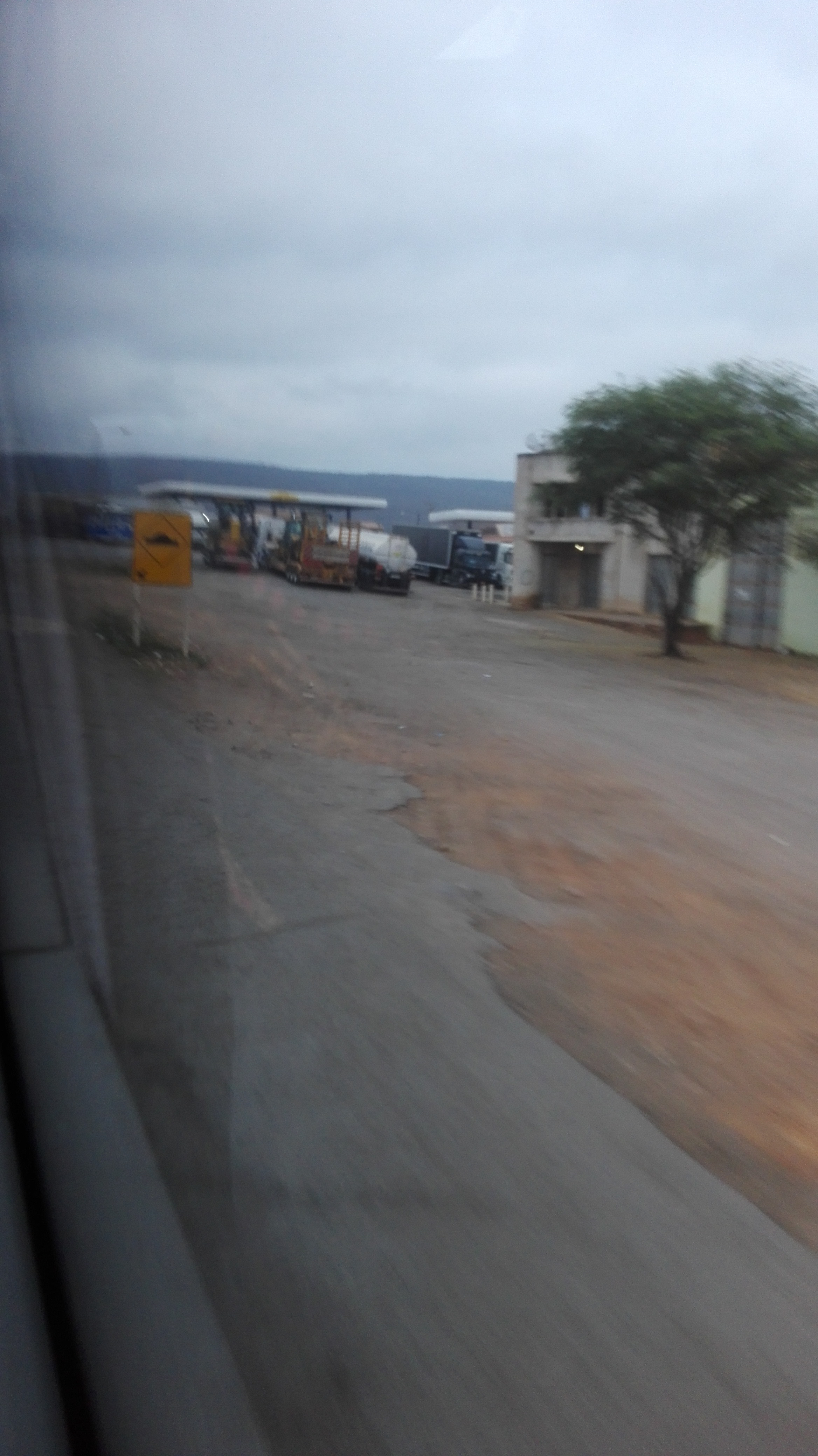 de-eerste-indrukken-op-deze-weg-richting-Ibitiara-10