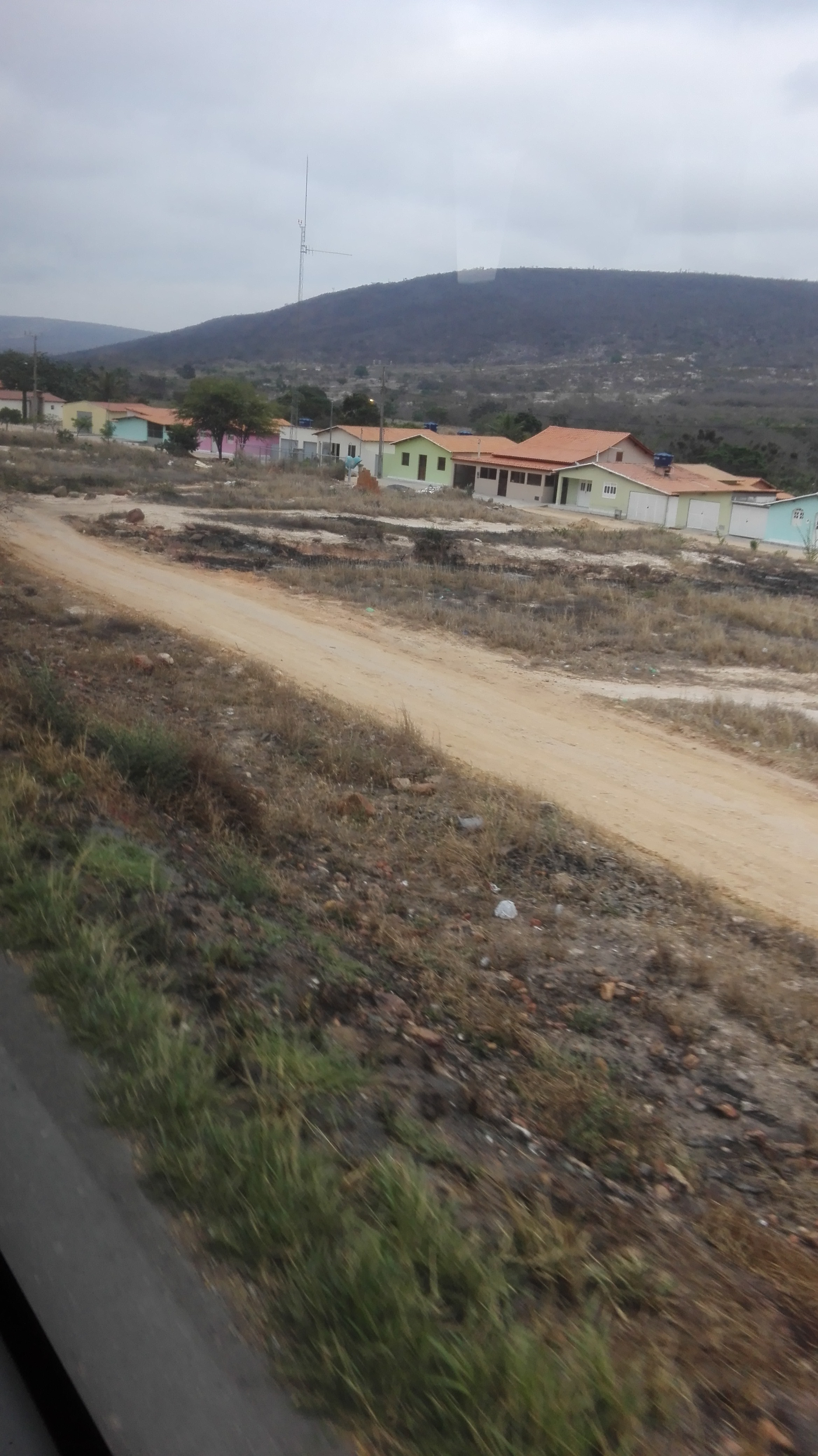 de-eerste-indrukken-op-deze-weg-richting-Ibitiara-17