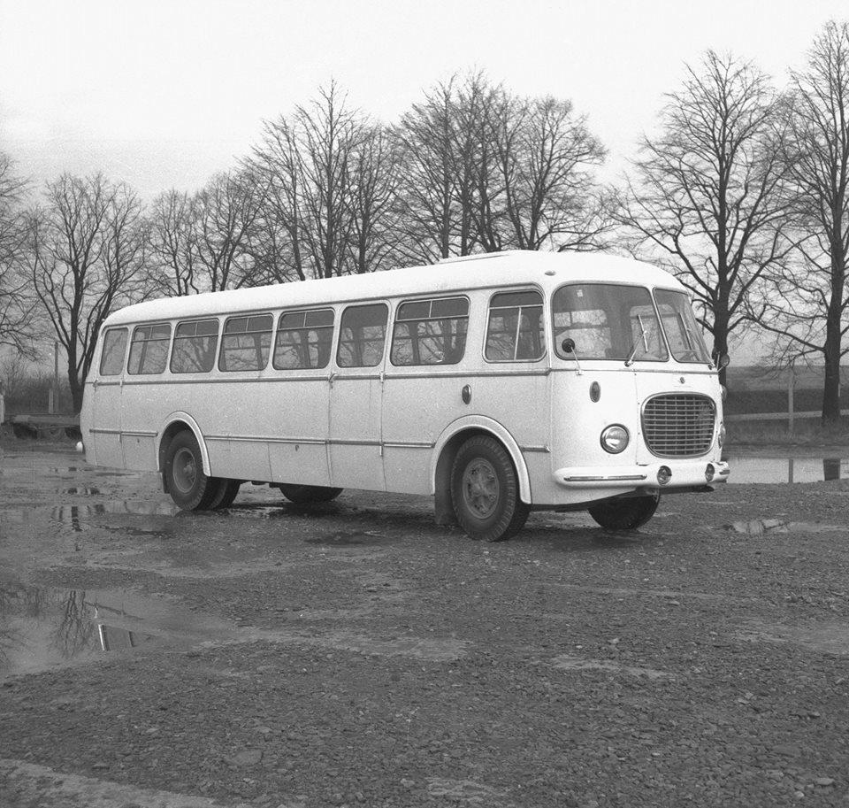 Bus-bestemd-voor-chiranu-en-dus-extra-medische-apparatuur