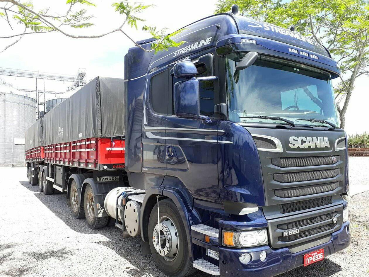 Michel-Silva-Scania-R620-V8-6X4-