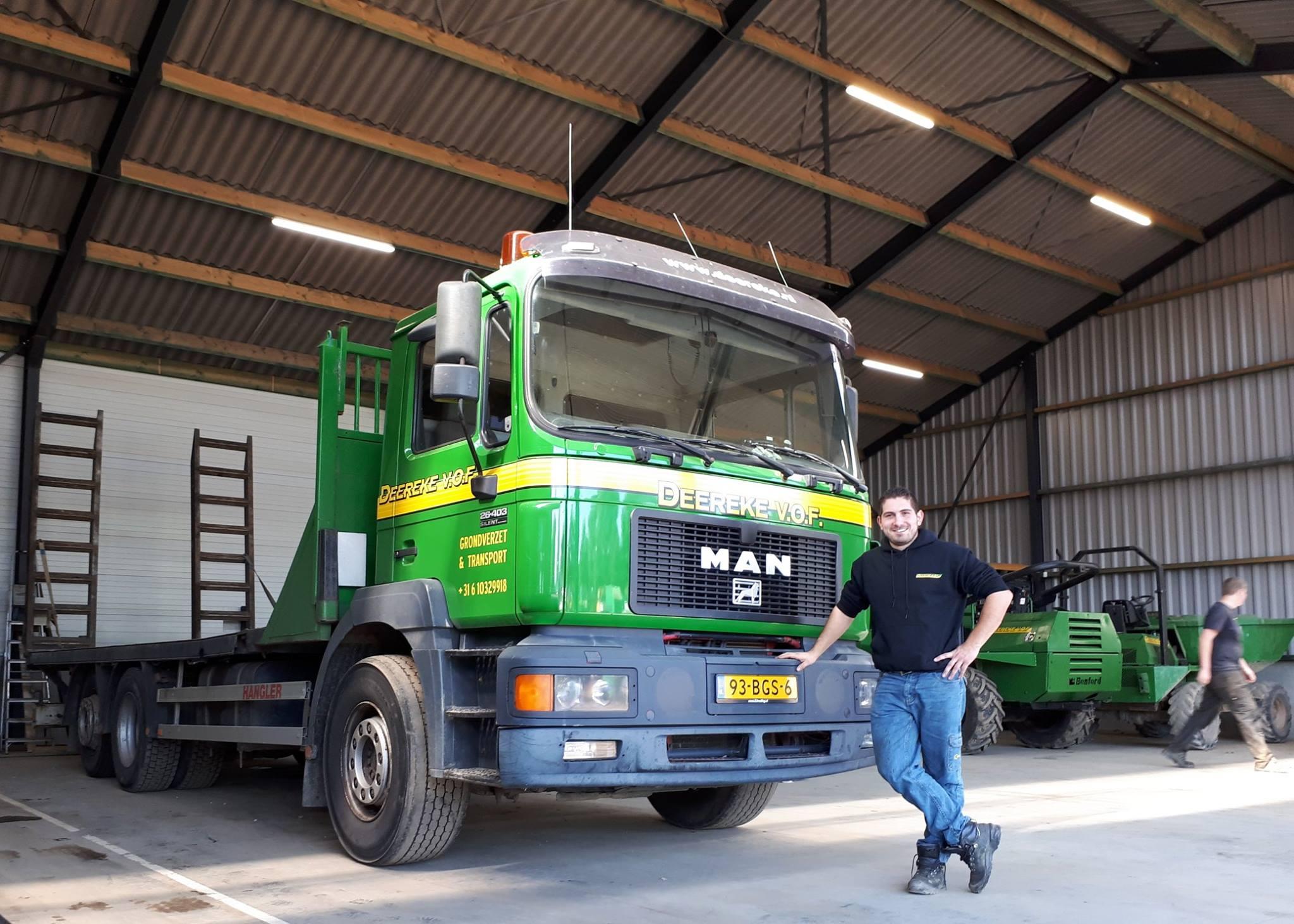 Onze-monteur-mag-vanaf-vandaag-ook-met-onze-vrachtauto-op-pad--In-een-keer-geslaagd-voor-zijn-C--CE-rijbewijs--Proficiat-Gydo--wij-zijn-trots-op-jou