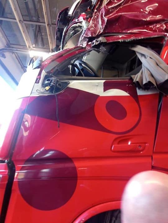 Chauffeur-werd-gehinderd-door-luxewagen-die-in-de-vanrail-terecht-kwam-15-11-2018--5