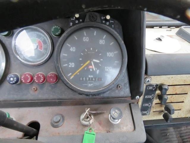 F-87-die-nog-lopend-bij-den-Hartog-in-Rozenburg-staat--19-11-2018--5