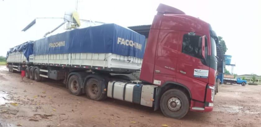 Volvo-540--FH-Manaus-a-Santa-Helena-na-Venuzuela.