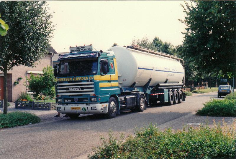 Scania-VR-37-ZV-