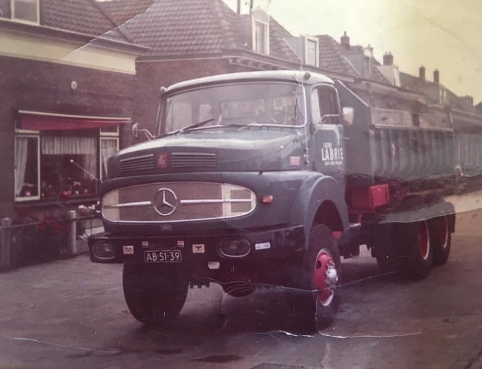 Dit-is-een-van-de-eerste-series-van-terberg-chassis-no-00013-