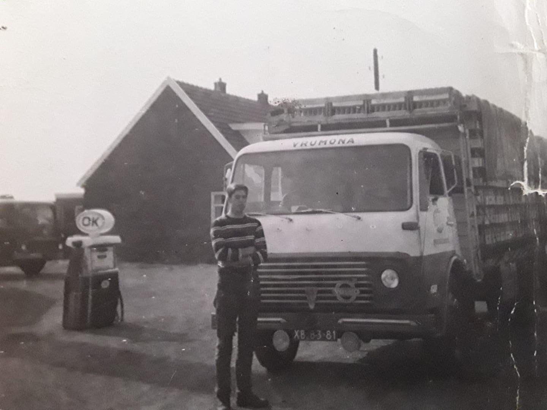 Chauffeur-van-Elteren--vd-Lee-transport-Bunnik-volvo-F4751--