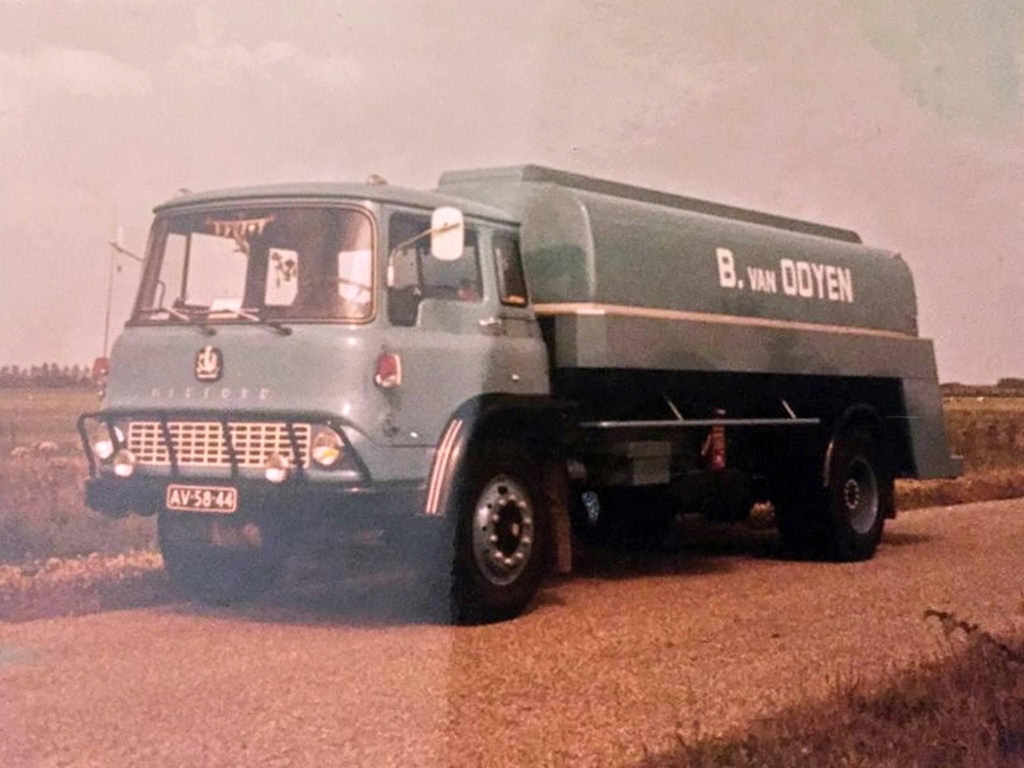 Bedford-TK--van-ooyen-aalst-gld---
