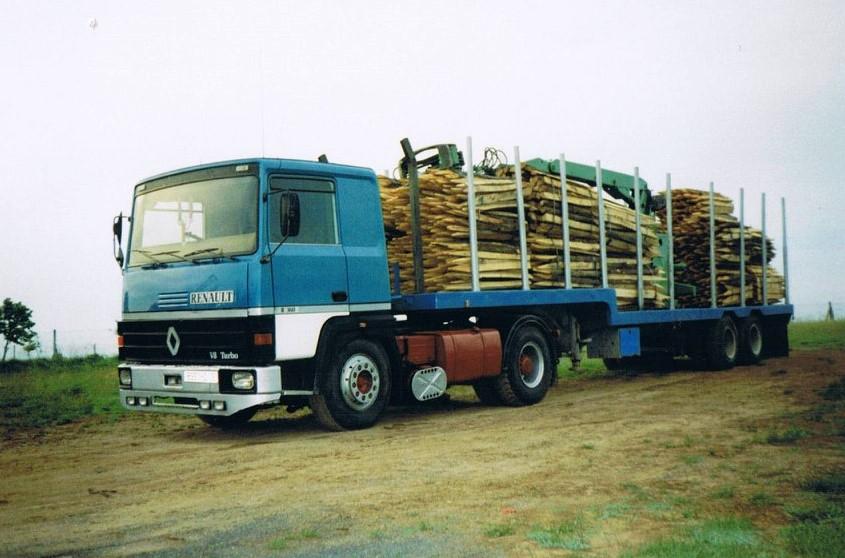 Renault-avec-du-bois