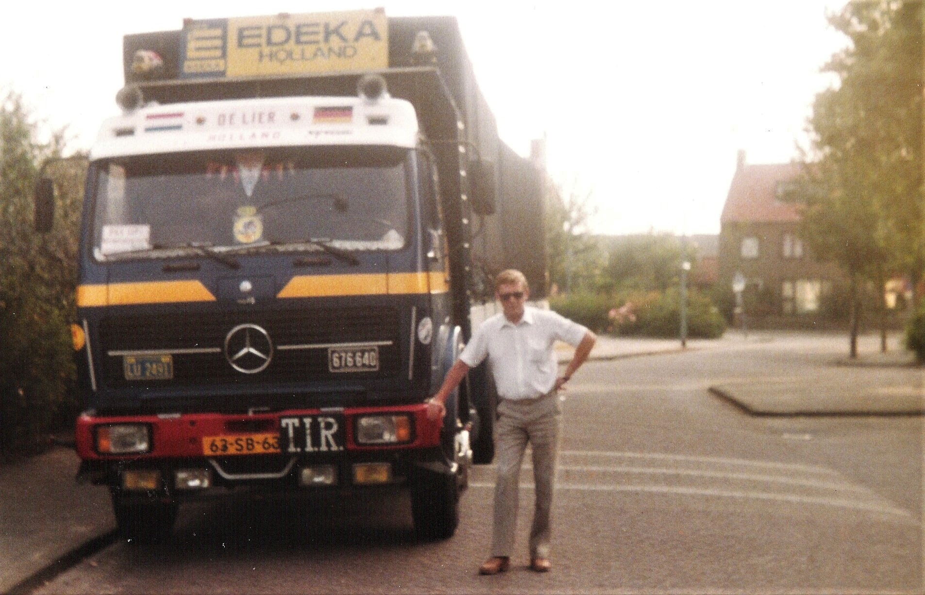 1984-63-SB-63-in-de-Beatrixstraat-de-trotse-man