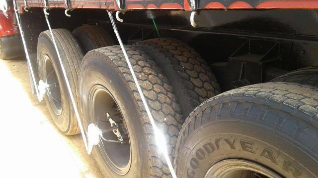 Fnm-180-78-op-4-assen--motor--versnellings-bak--en-differentieel-van-volvo-n10-gefeliciteerd-pro-eigenaar-van-deze-truck--2