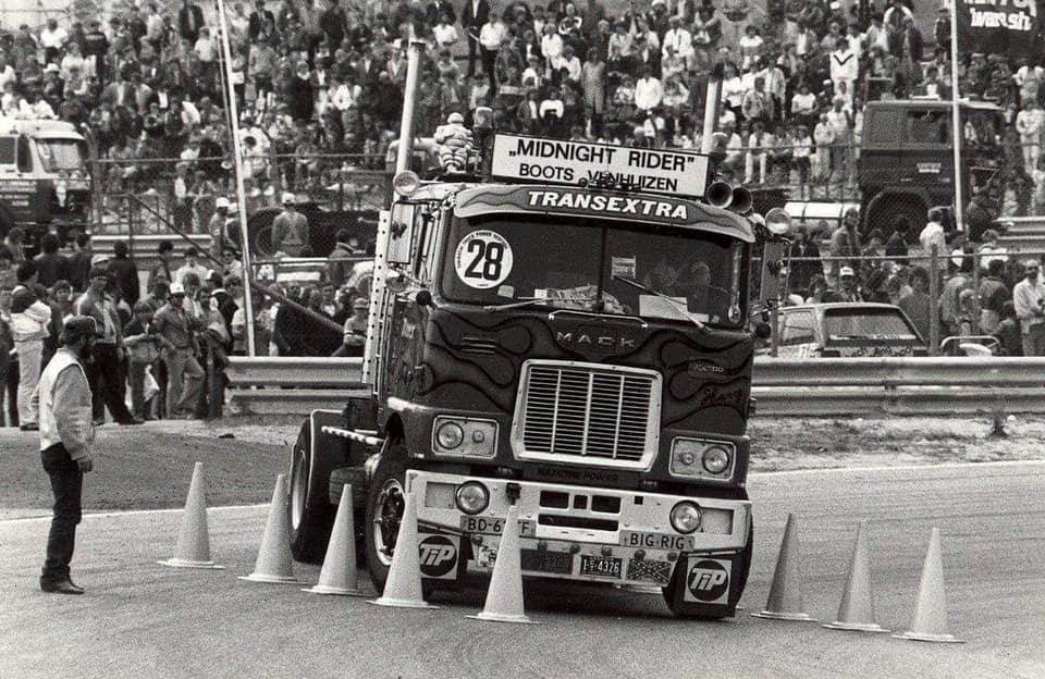 Mack-1981-chauffeur-Harrie-Nan--Zandvoort