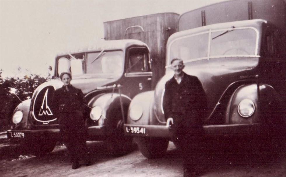 Jan-Houtman-Foto-van-mijn-oom-was-chauffeur-bij-Rutges-in-Gouda-en-ik-was-bijrijder-van-1964-66--4