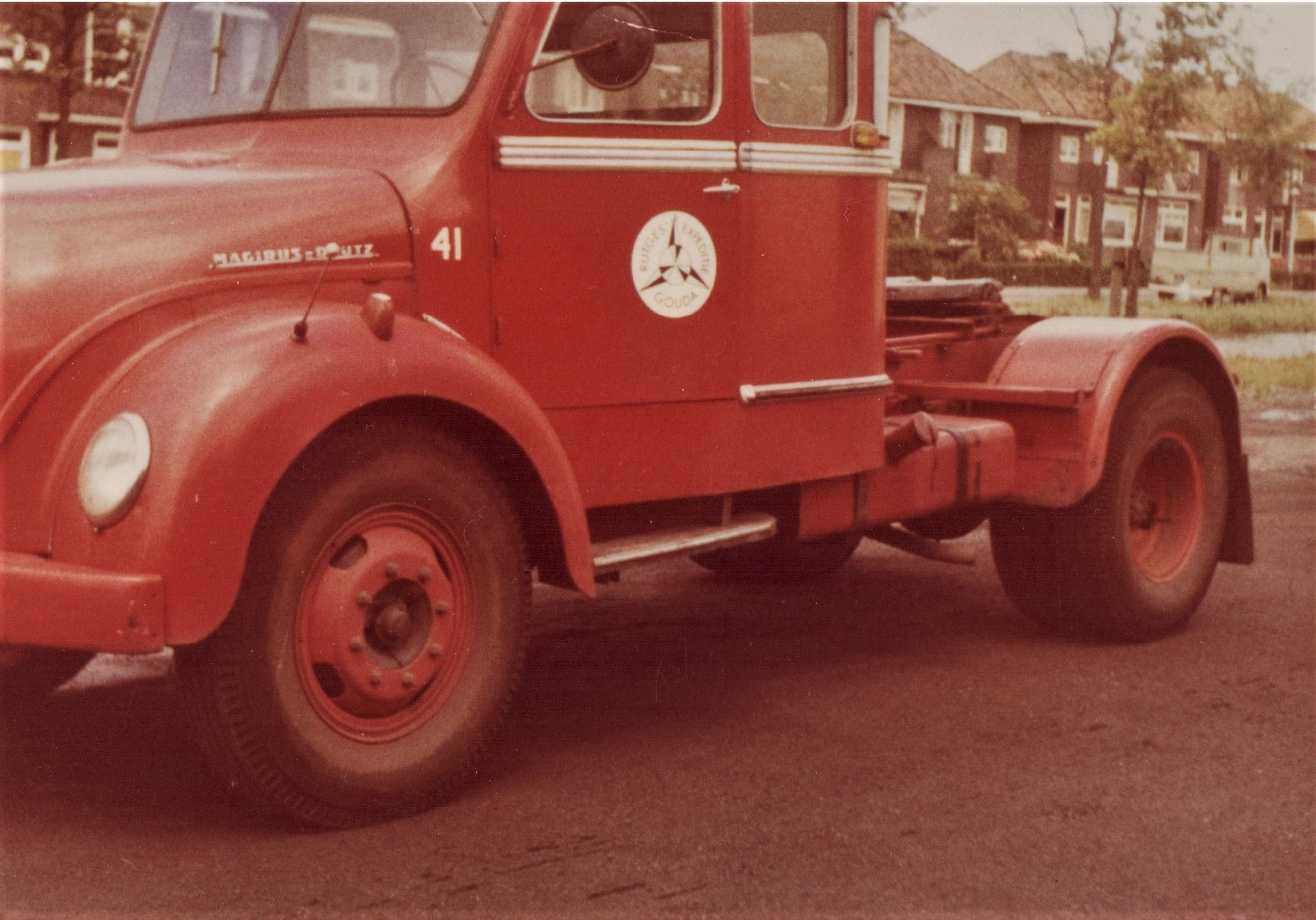 Jan-Houtman-Foto-van-mijn-oom-was-chauffeur-bij-Rutges-in-Gouda-en-ik-was-bijrijder-van-1964-66--7
