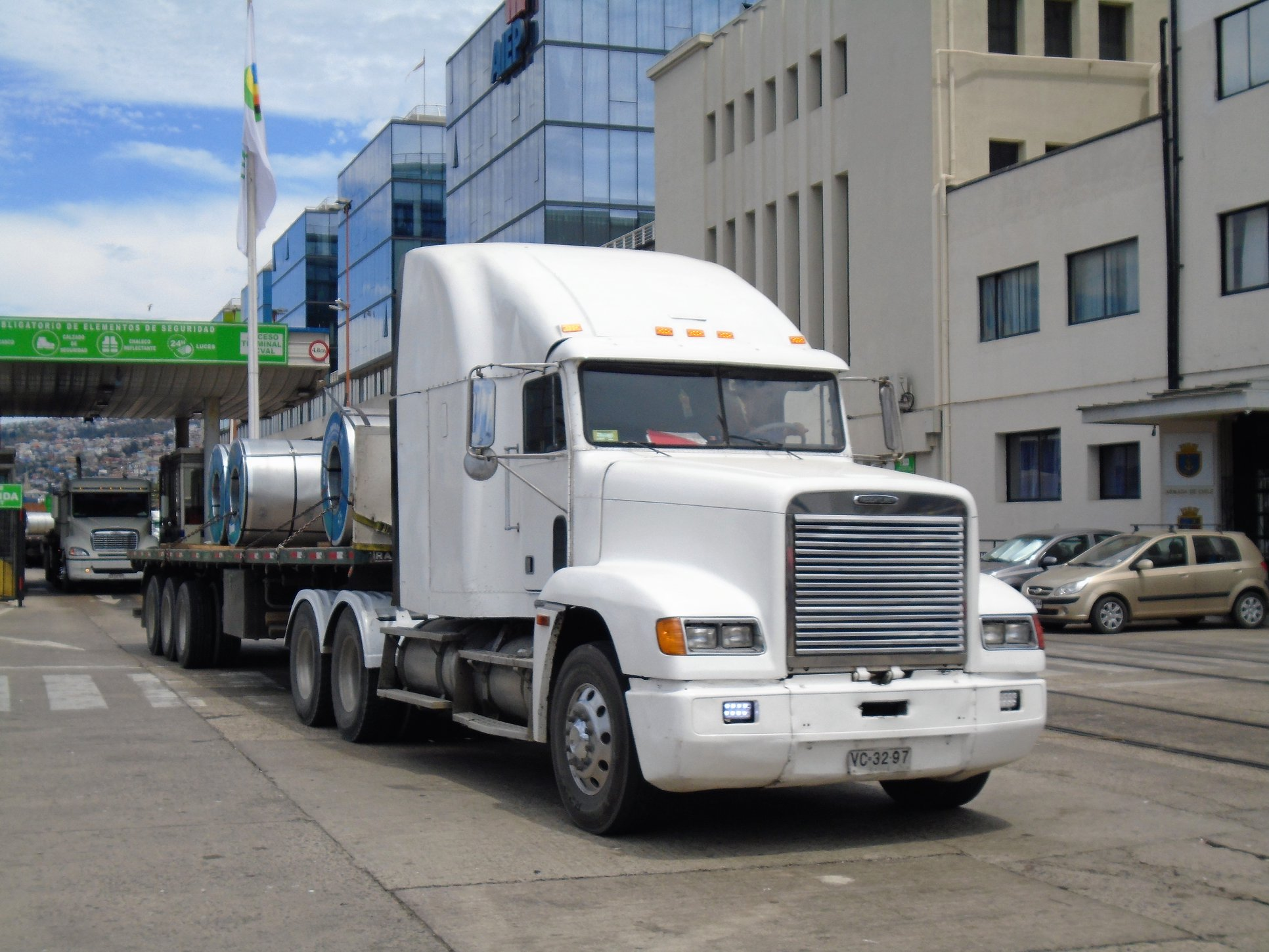FREIGHTLINER-FLD-120-DDC-6X4-TRACTOR--2002-