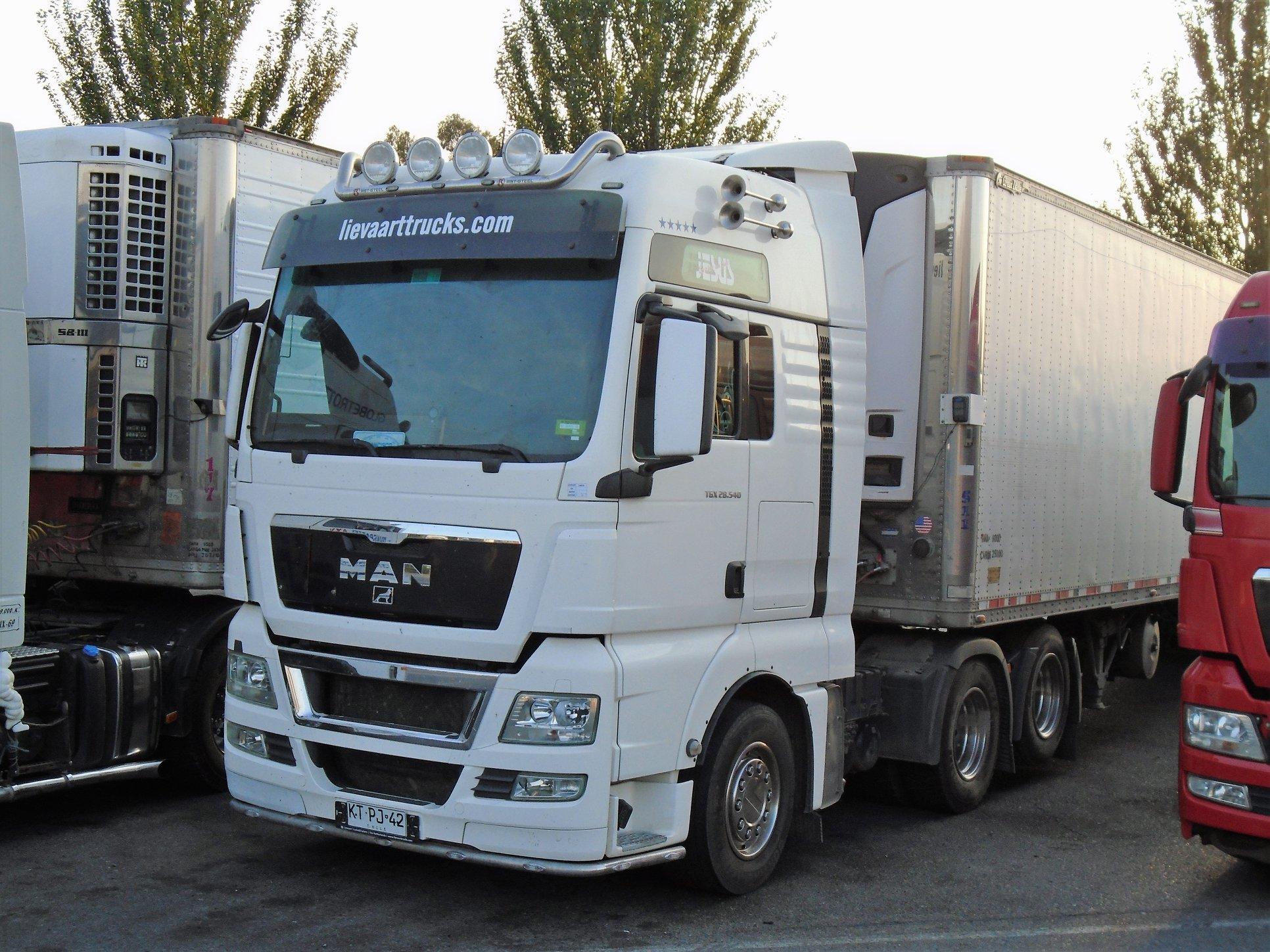MAN-TGX-28-540-XXL-6X2-TRACTOR--2012