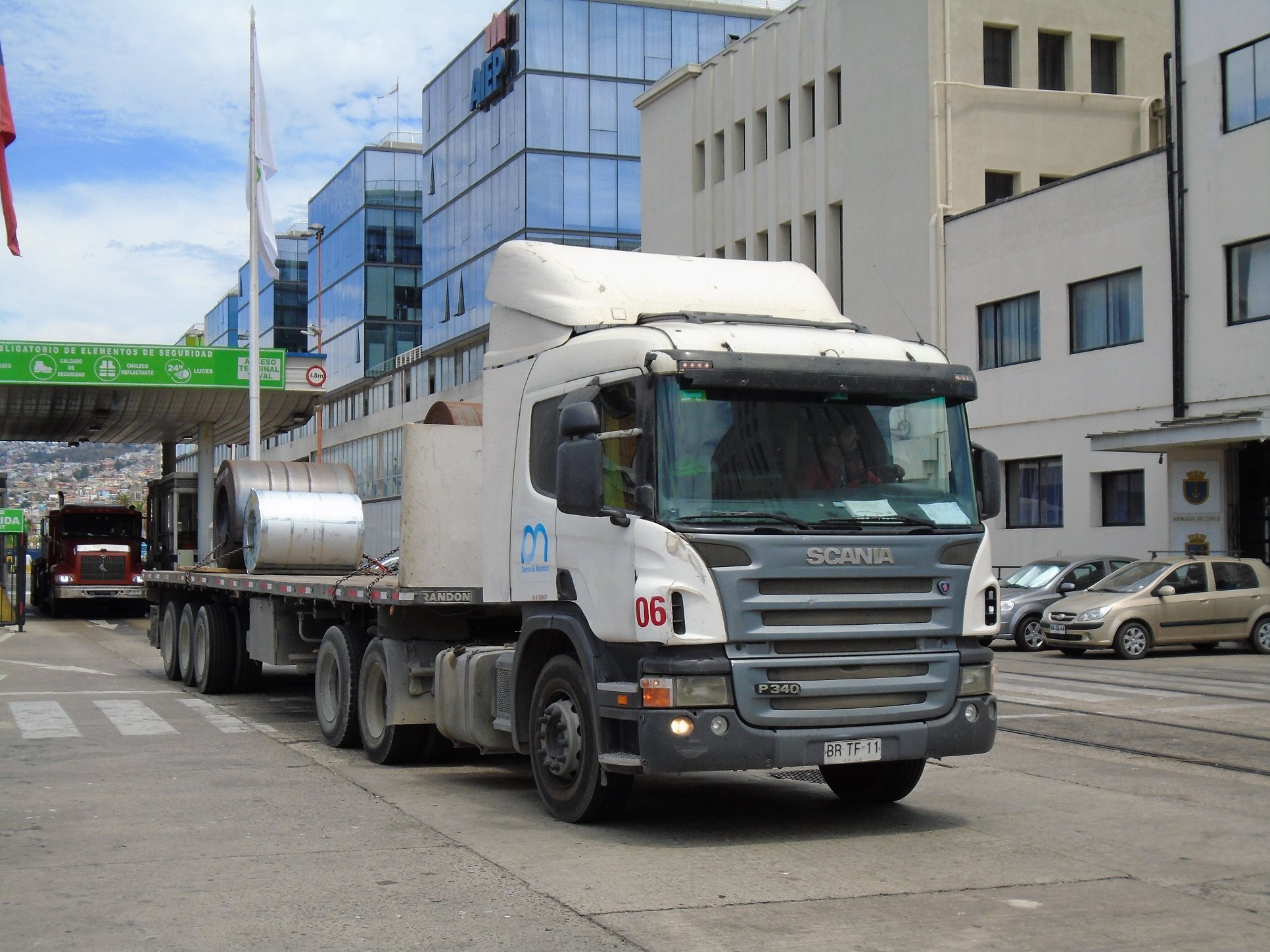 SCANIA-P-340-A-6X2-TRACTOR-No-06--2008
