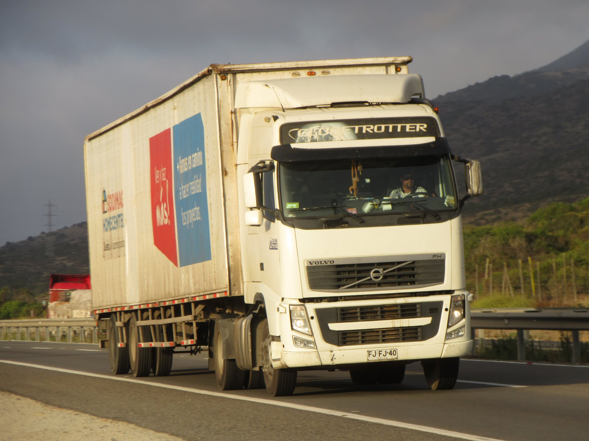 VOLVO-FH-400-GLOBETROTTER-4X2-TRACTOR--2013