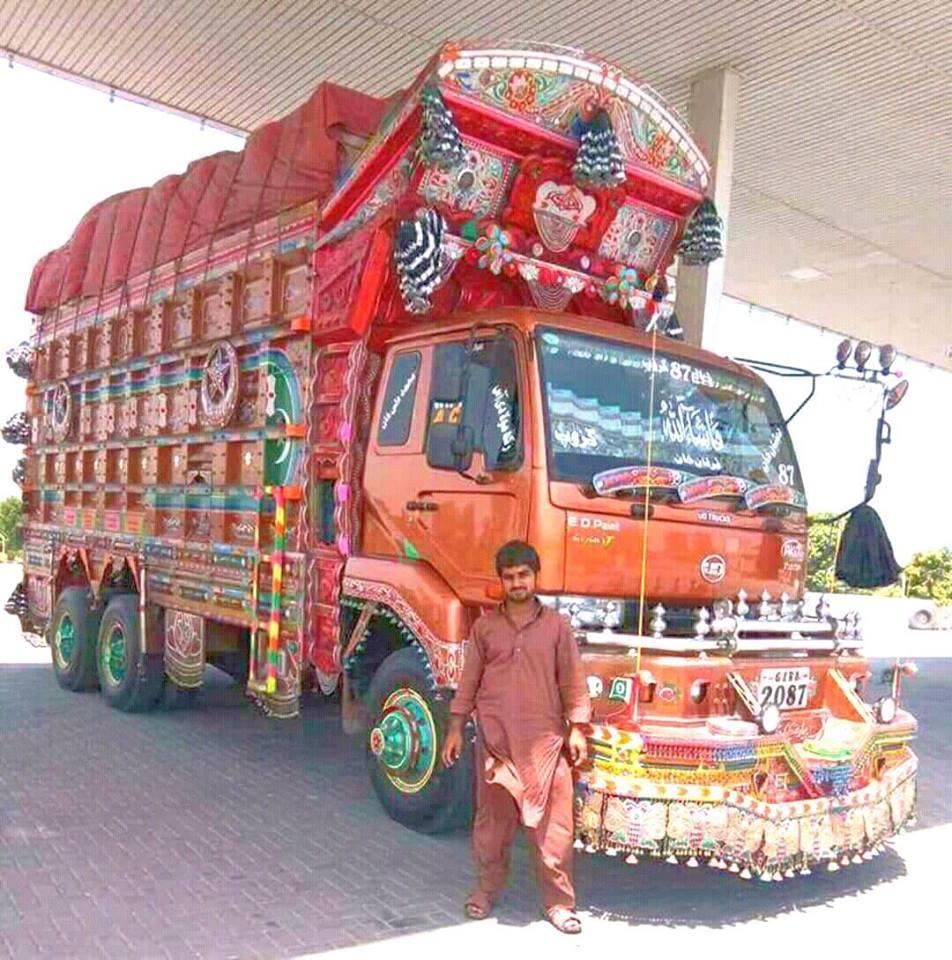 Hino-Camion