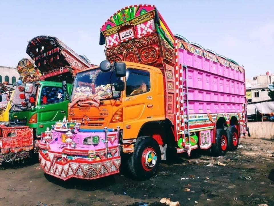 Hino-in-Pakistan--2