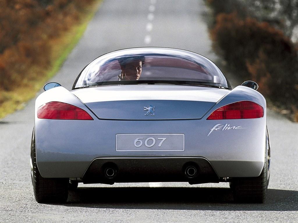Peugeot-607-Feline-Concept--2000--2