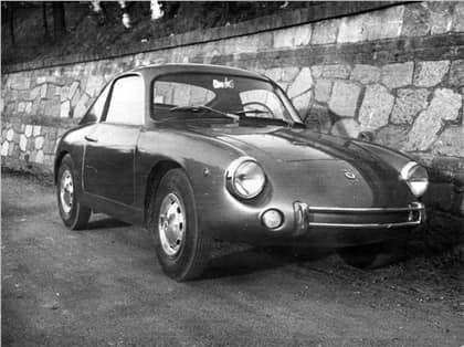 -Steyr-Puch-IMP--kort-voor-Intermeccanica-Puch--was-een-aluminium-tweezits-coupe-met-een-topsnelheid-van-160-km-(1)