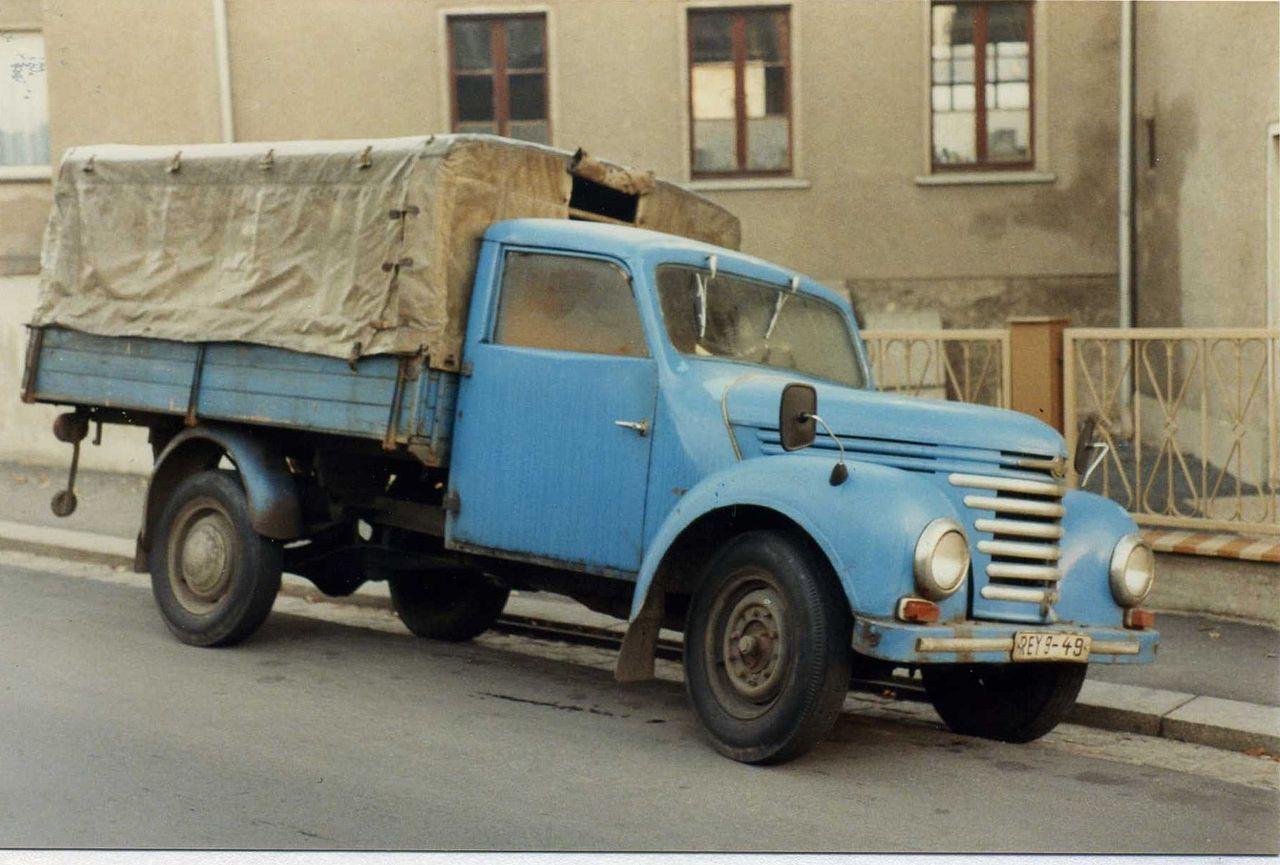 Barkas-Framo_Pick_up_truck,_Dresden_November_1989