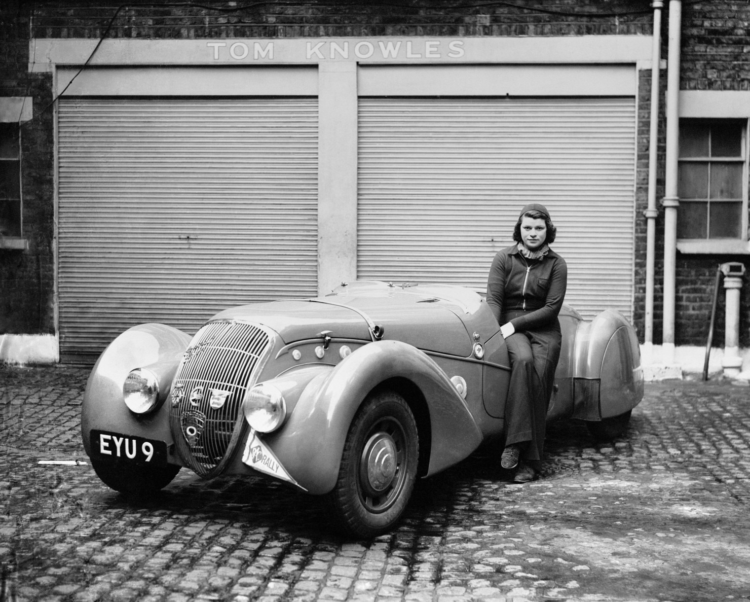 Peugeot-in-May-1939-Miss-Patten-Baroness-Dorndorf