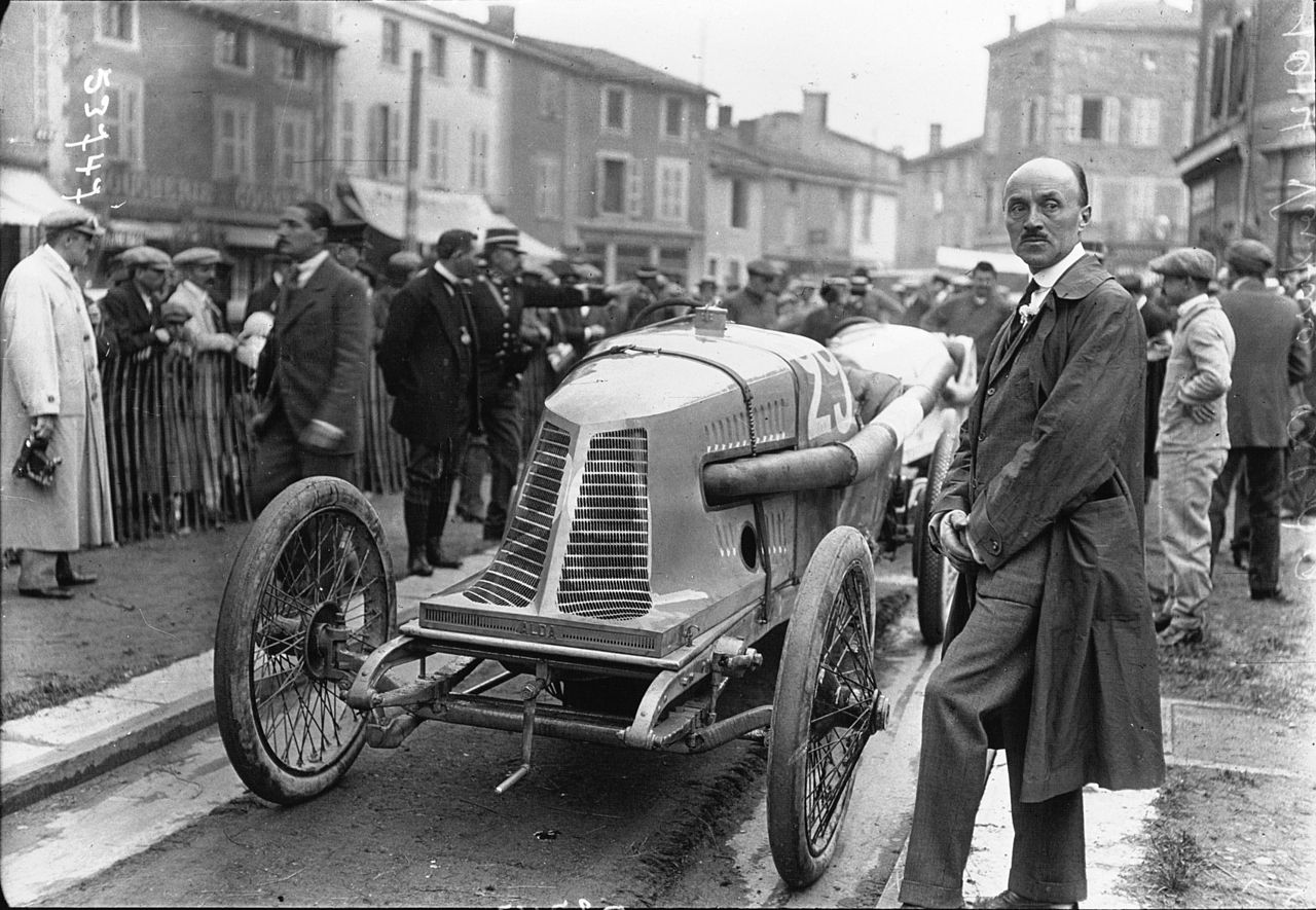 1914-Fernand_Charron_at_the-French_Grand_Prix
