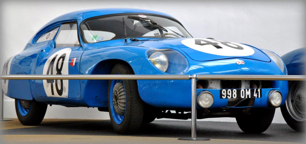 1959_DB_HBR4-Le-Monstre-die-deelnam-aan-vele-races-Tour-de-France-Le-Mans-Reims