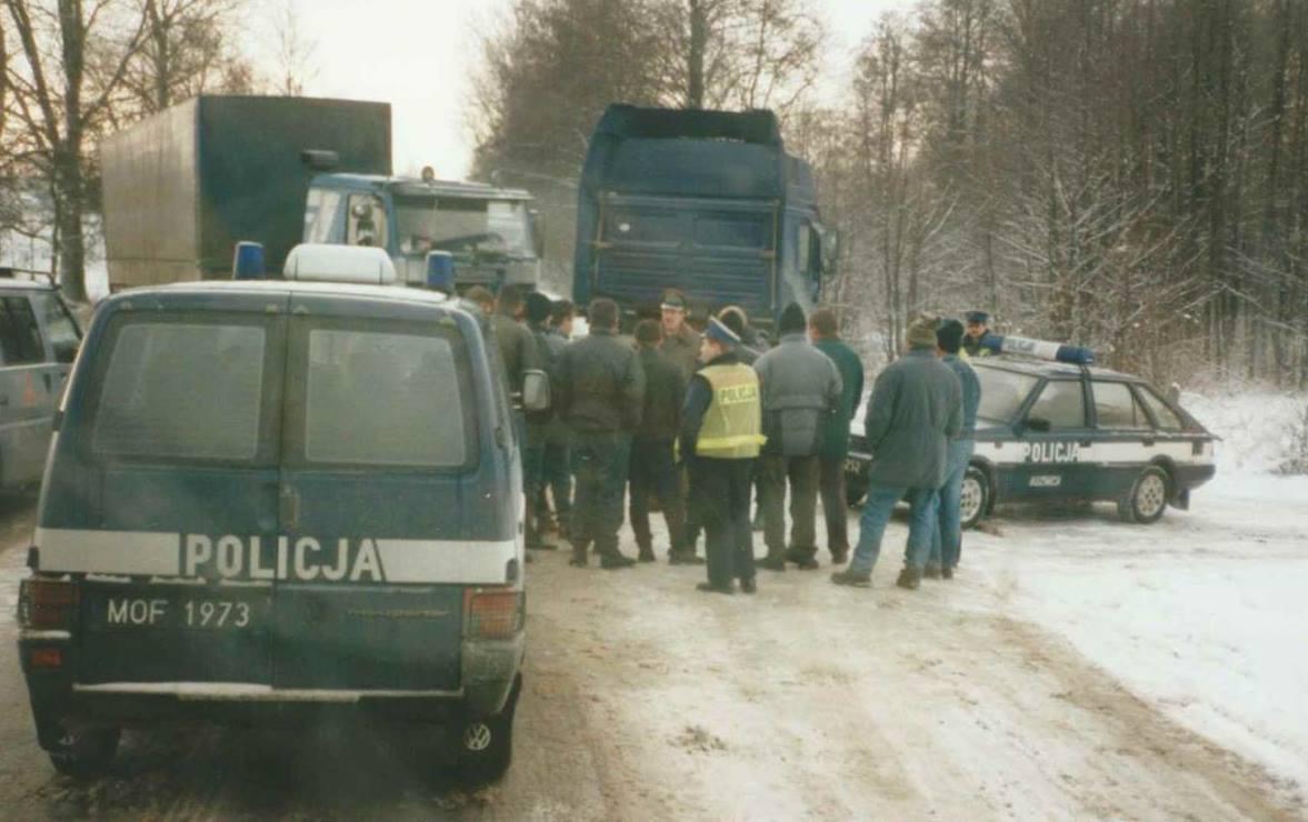 De-90-er-jaren-vervoer-als-pioniers-op-Oos-Europese-landen---Het-witte-huis--het-paleis-van-Ceausescu--in-Boekarest-Roemenie--en-Ukraine-Johannes-Wiesrma--(3)