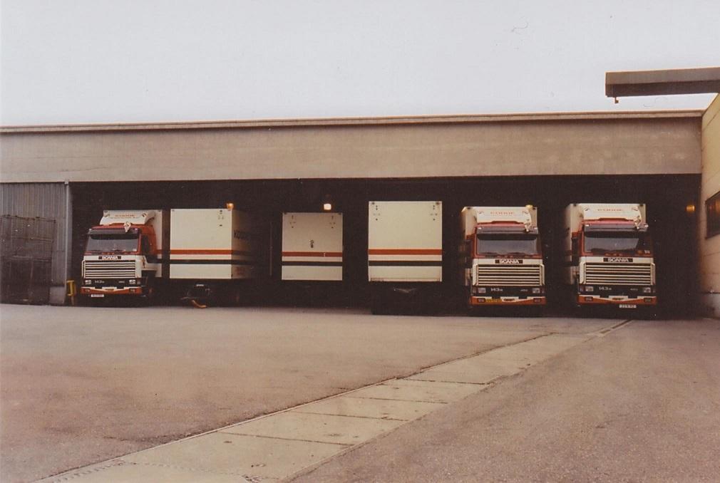 Papier-laden-bij-Holtzmann-papierfabriek-werk-maxau-in-Karlsruhe
