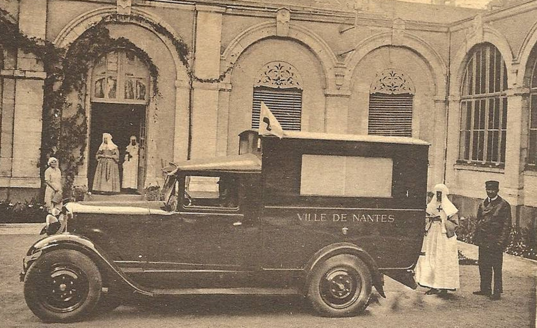 Renault-OS-2-modelle-1930-Ambulanche