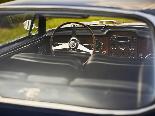1962-FACEL-VEGA-FACEL-II-00-(3)