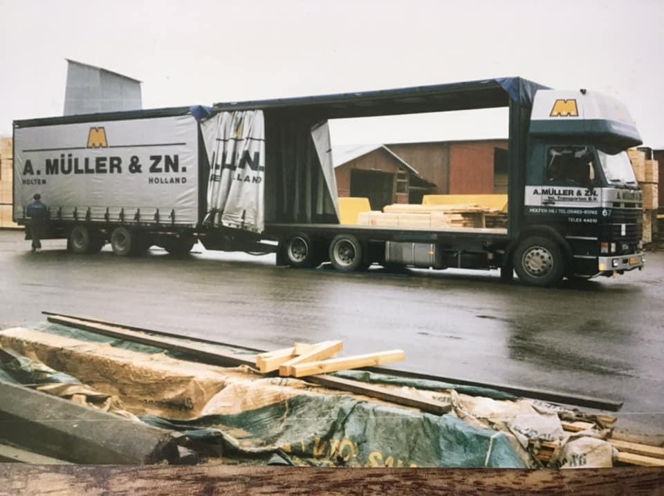 Johan-Derksen-Midden-jaren-negentig-hout-laden-in-Zweden---(3)