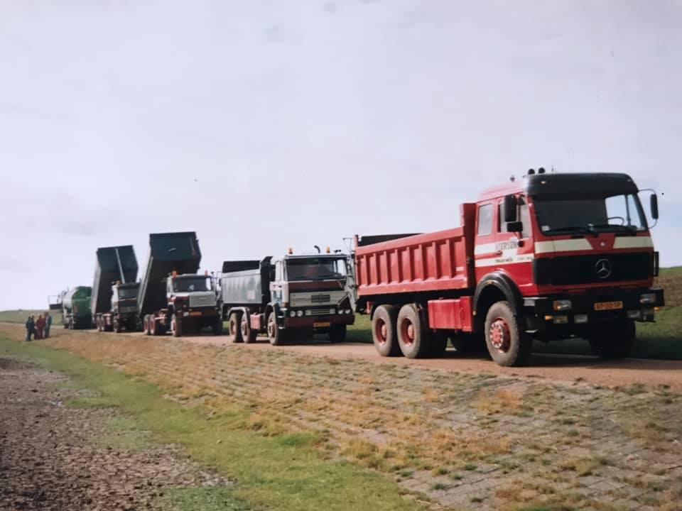 MB--even-pauze-tijdens-slijtlagen-OHW--92-chauffeurs-Enno-Bouwstra-Ype-Jan-Rozema-Wieb-Jelsma-Anko-Viersen