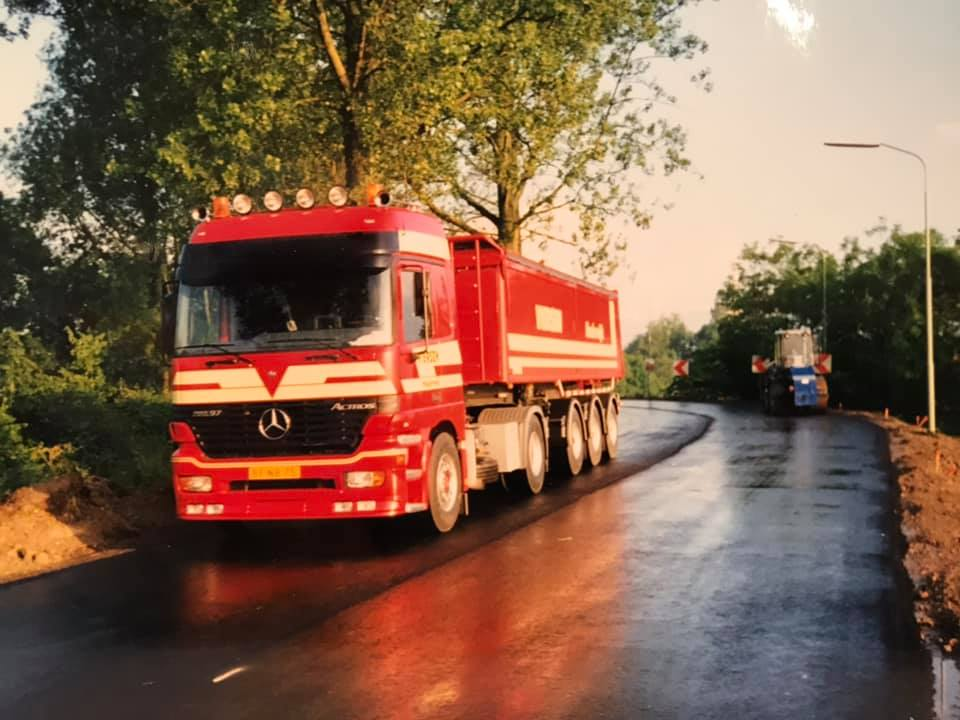 MB-nieuwe-Benz-Viersen-Haulerwijk-asfalteren-Mensingeweer-Maarhuizen-werk-KWS-1997
