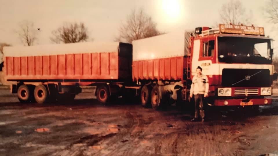 Volvo-F1025--81-MB-01--met-Bulthuis---Chauffeur-Harry-De-Jong-(1)