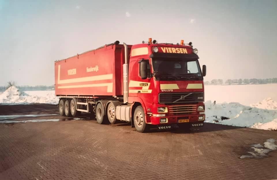 Volvo-FH-12-aardappelen-laden-bij-Hazelaar--t-Haantje-winter-2004