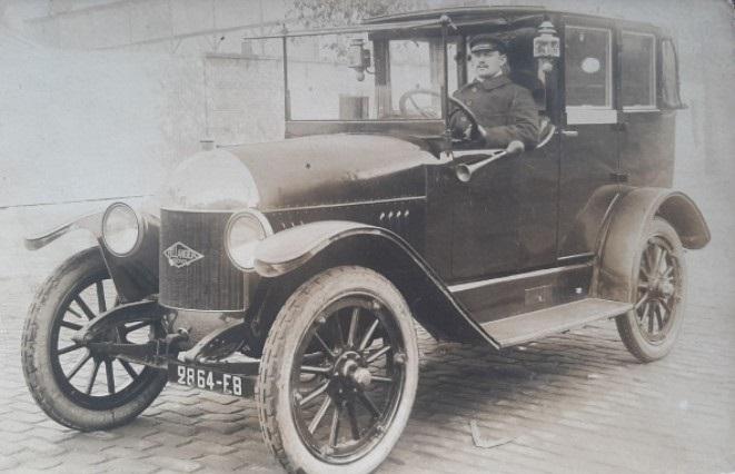 Bellanger-Freres-landaulet--zoals-een-taxicabs-in-Parijs--ca--1919-20--misschien-eentje-met-3-2-liter-Briscoe-motor
