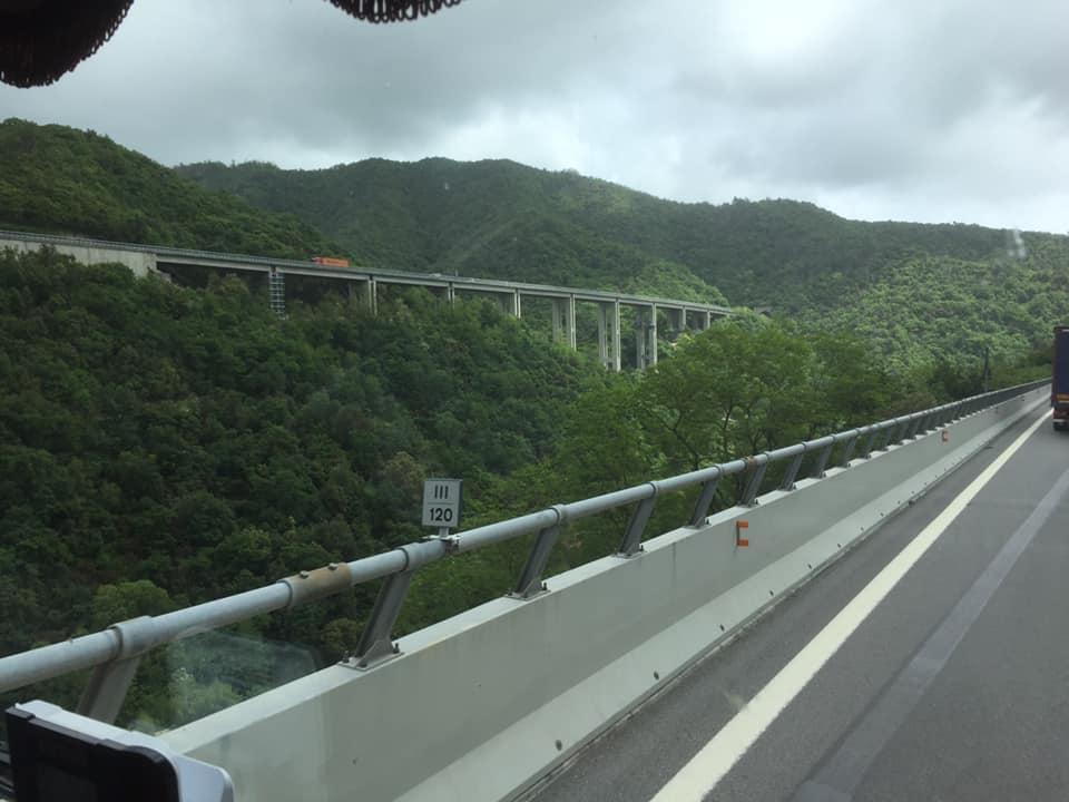 Karin-Stolk-naar-San-Remo-veel-bruggen-veel-water-en-overde-nieuwe-brug-in-Genua--20-5-2021-(2)