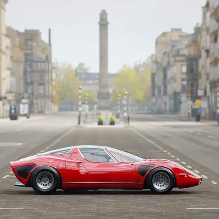 Alfa-Romeo-33-Stradale-1968
