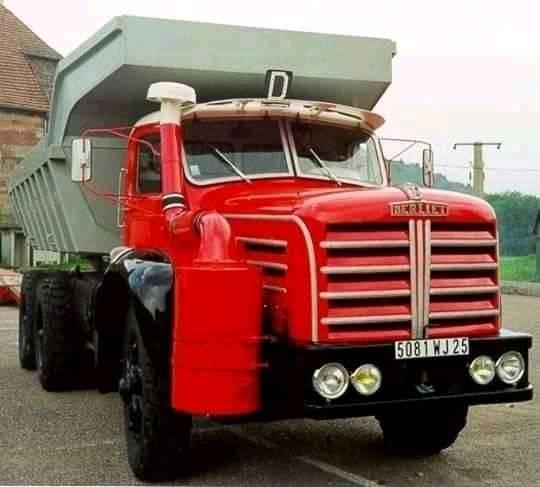 Berliet-6X4-benne