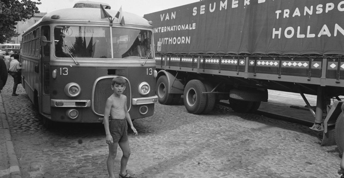 1966-Szewna--PL--van-Seumeren-op-weg-naar-Kiev-Foto-Cor-Jaring