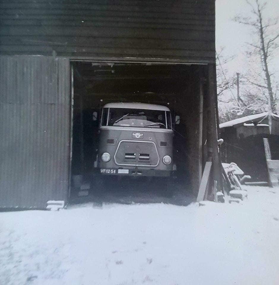0-Toen-je-opa-in-Graafland-woonde-zette-zijn-vrachtwagen-bij-mijn-ouders-in-de-schuur--Rook-Den-Hartog