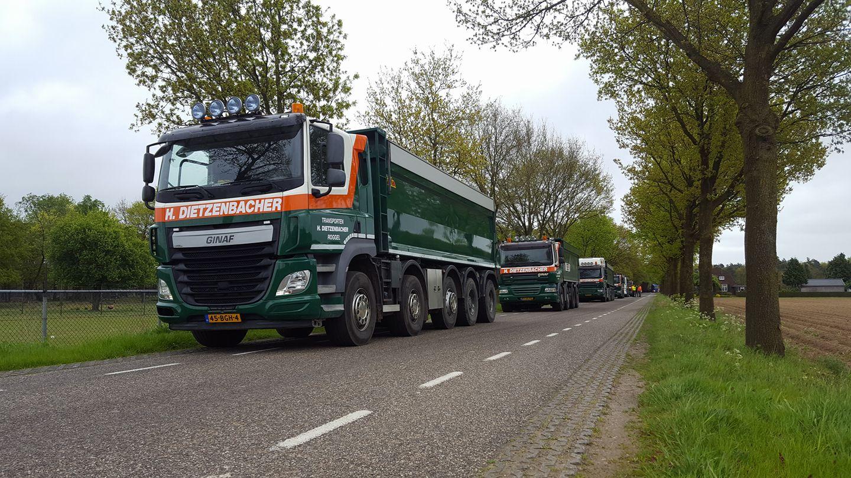 De-komende-dagen-zijn-wij-in-samenwerking-met-STRABAG-aan-het-asfalteren-in-Blitterswijck