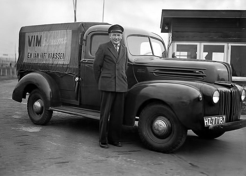 Ford-PickUp--1942