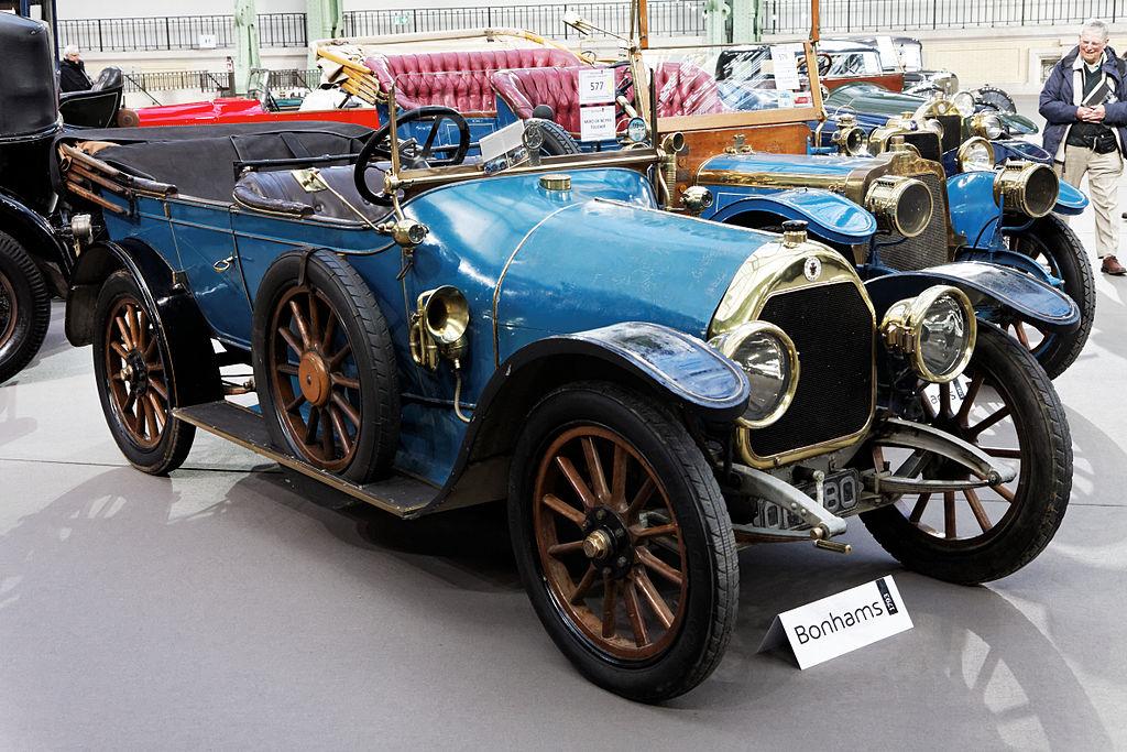 1914-Paris_-_Bonhams_2013_-_Darracq_type_V14_16_HP_torpédo_-