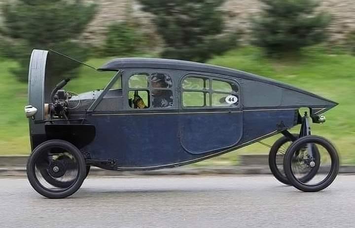 1919-1925--Leyat-Helica-Cyclecar--(2)